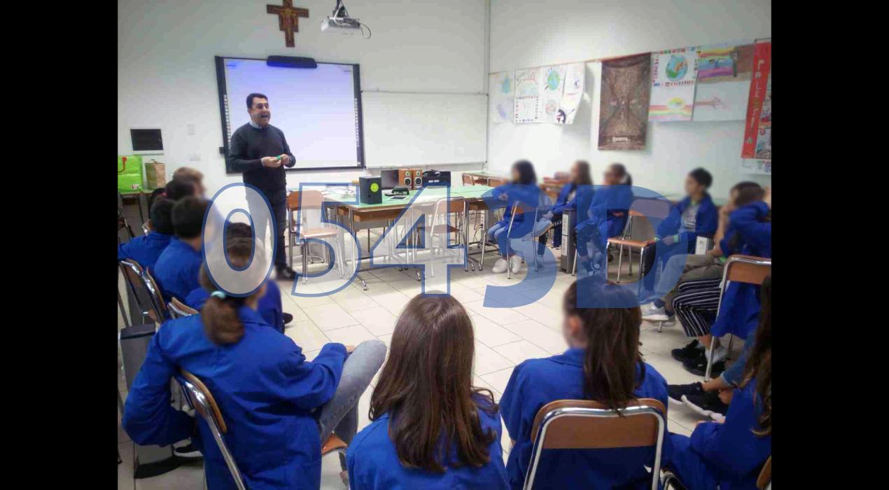 """04 - Istituto Comprensivo Paritario """"Scuole Tavelli""""  di Rmini - Scuola Secondaria Inferiore"""